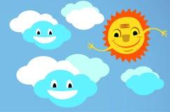 Усмехаясь солнце с руками и облаками Стоковое фото RF