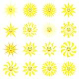 Усмехаясь солнце с лучами различных форм Комплект 16 значков на белой предпосылке Изображение вектора в стиле шаржа иллюстрация вектора