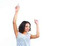 Усмехаясь танцы девушки мулата на изолированной белизне Стоковое Изображение RF