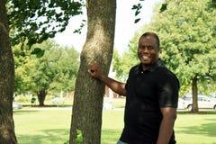 Усмехаясь чернокожий человек S555 Стоковое Изображение