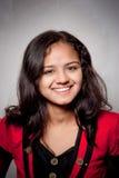 усмешка красивейшей девушки индийская стоковые изображения