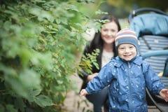 усмешка младенца счастливая Стоковые Фотографии RF