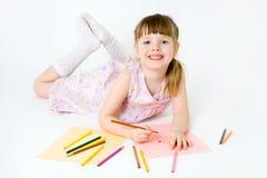 усмешка притяжки цветастых crayons ребенка милая Стоковая Фотография