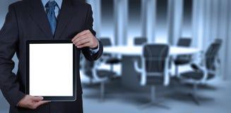 Успех бизнесмена работая с пустым компьютером таблетки его доска Стоковое фото RF