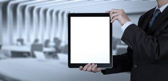 Успех бизнесмена работая с пустым планшетом Стоковое фото RF