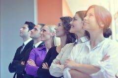 Успешная группа в составе бизнесмены на офисе Стоковое фото RF