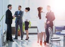 Успешная команда дела в современном офисе Стоковое Изображение RF