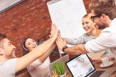 Успешная творческая команда работая в сотрудничестве Стоковые Изображения RF