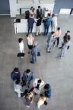 Успешное многонациональное коллег подключая на деле стоковое изображение rf
