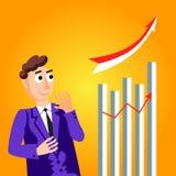 Успешное положение бизнесмена с оружиями сложенными рядом с stats диаграммы в виде вертикальных полос стоковые фото