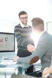 Успешные бизнесмены тряся руки друг с другом Стоковые Изображения RF