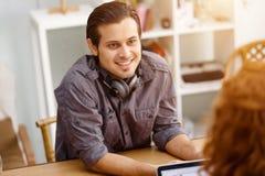 Успешные молодые руководители бизнеса встречая на офисе Стоковое фото RF