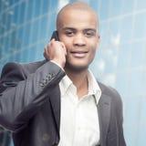 Успешный молодой африканский бизнесмен Стоковая Фотография RF