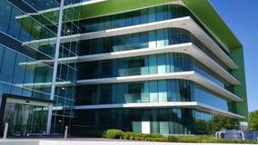 Устанавливать здание архитектуры съемки современное видеоматериал