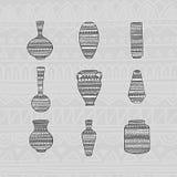 Установите вазы с этнической картиной чертеж вручает ее нижнее белье утра вверх по теплым детенышам женщины также вектор иллюстра Стоковые Изображения