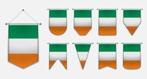 Установите вися флагов ИРЛАНДИИ с текстурой ткани Формы разнообразия страны национального флага Вертикальный вымпел шаблона иллюстрация штока