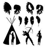 Установите изолированных черных силуэтов индейцев на белой предпосылке иллюстрация вектора