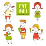 Установите мальчиков и еды девушек Стоковое Фото