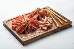 Установите мяс На деревянной стойке Стоковая Фотография