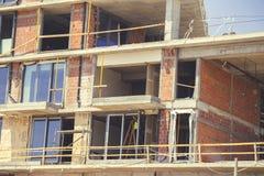 Установите новые окна в новое здание 2 Стоковая Фотография RF