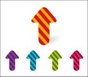 Установите покрашенных стрелок указывая вверх Новые яркие striped стрелки для иллюстрация штока