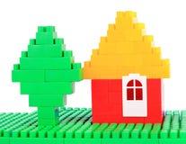 Установите строительные блоки цвета пластичные на предпосылке изолированной белизной Стоковое Изображение RF
