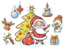 Установите с Сантой, снеговиком, свечой, настоящим моментом, рождественской елкой и орнаментами Стоковое фото RF