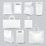 Установите хозяйственных сумок реалистического шаблона белых с ручкой и упаковкой стоковые фотографии rf