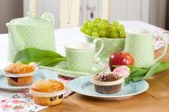 установите чай таблицы стоковые фото
