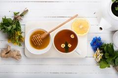 Установите для чая вытрезвителя травяного Стоковое Изображение