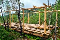Установка деревянных балок от журналов Стоковые Изображения