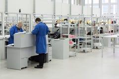 Установка мастерской поверхностные и досборочный электронная индустрия Стоковое Изображение RF
