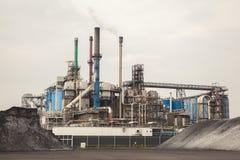 Установка оборудования нефтедобывающей промышленности стоковое фото