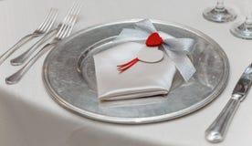 Установка плиты обедающего влюбленности Стоковое Фото