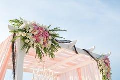 Установка свадьбы на пляже стоковое изображение