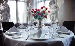 Установка таблицы для венчания Стоковое Фото
