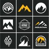 Установленные иконы горы Логотип горы бесплатная иллюстрация