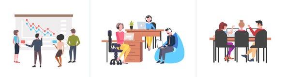 Установленные предприниматели объединяются в команду конференция тренировки семинара коллективно обсуждать со-работая белое собра бесплатная иллюстрация