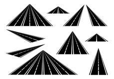 Установленные прямые дороги и шоссе с белыми линиями на обочине и сломленной белой линии оси на белой предпосылке Черная дорога иллюстрация штока