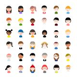 Установленный значок профиля воплощения вектора: плоские значки людей с различными национальностями, одеждами и прическами иллюстрация штока