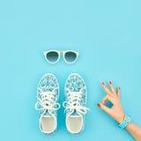 Установленные аксессуары моды обмундирование Одобренный жест минимально Стоковые Фотографии RF