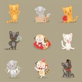 Установленные деятельности при и ситуации маленьких Girly милых персонажей из мультфильма котят различные Стоковая Фотография RF