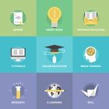 Установленные значки онлайн образования плоские Стоковые Фото