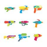 Установленные значки цвета водяных пистолетов игрушки шаржа вектор иллюстрация вектора