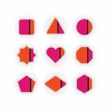 Установленные пинк и оранжевые геометрические значки нашивки иллюстрация вектора