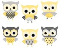 Установленные сычи шаржа - желтый цвет и серый цвет Бесплатная Иллюстрация