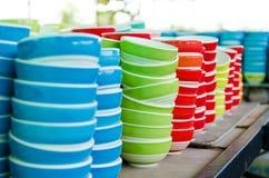 установленные тарелки стоковое изображение