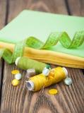 установленные тесемки катушк предпосылки multicolor шить Стоковое Изображение RF