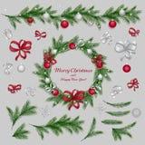 установленные украшения рождества Красные и серебряные цвета Стоковая Фотография RF
