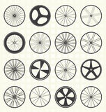 Установленный вектор: Силуэты колеса велосипеда Стоковое Изображение RF